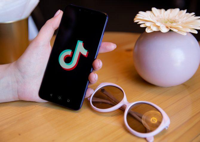 【デジタルマーケティング】TikTokがShopifyとパートナーシップを組むことを発表:Z世代に向けたソーシャルコマース化が進む。